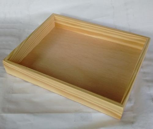10 bandejas de madeira pinus com verniz fosco 30 x 25 cm