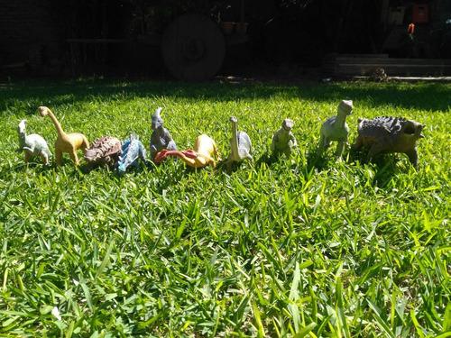 10 dinosaurios de juguete