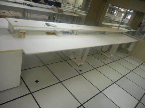10 mesas e 10 gaveteiros