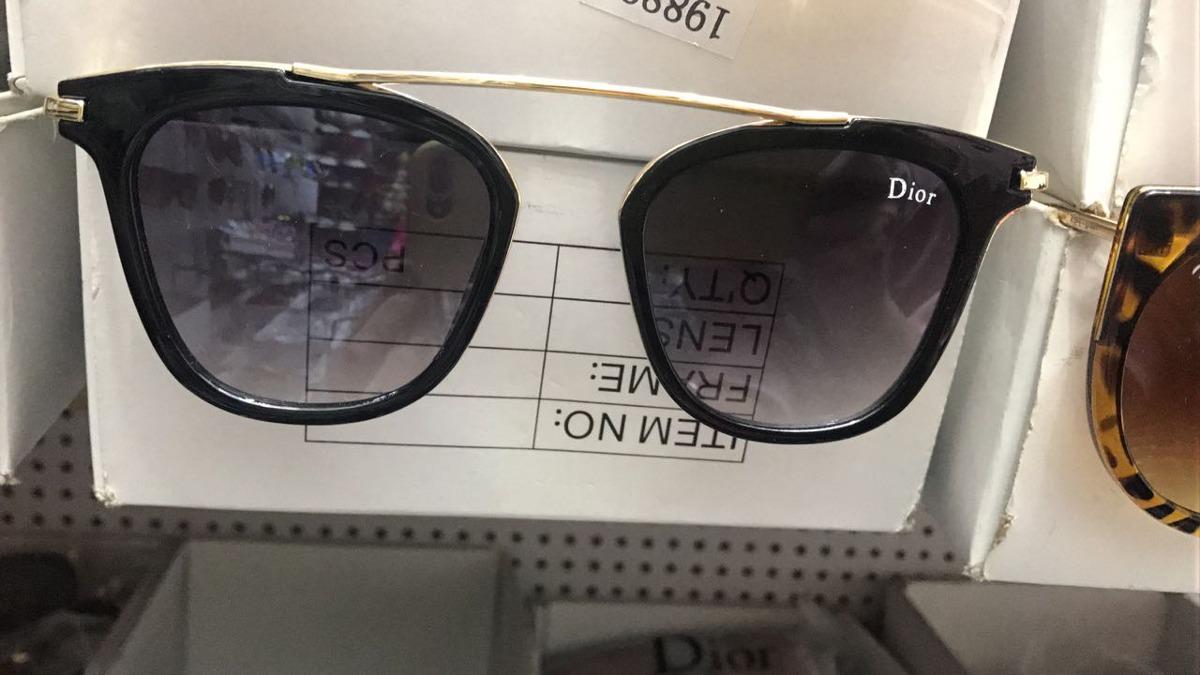 10 óculos feminino variada marcas +10 case marca+brinde. Carregando zoom. a10bc988aa