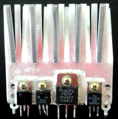 10 x transistor 3045p c/ dissipador de calor alumínio 7,4cm