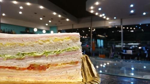100 (cien) sándwich de miga simple 14 x 7. confitería