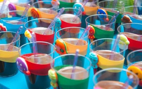 100 copinhos brigadeiro acrilico colorido 40ml doce + brinde