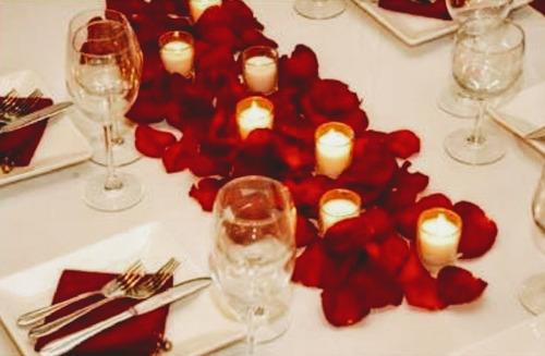 100 delicados pétalos de rosas 5.000 pesos