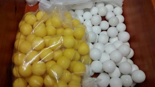 100 pelotitas de metegol macizas de plástico inyectado