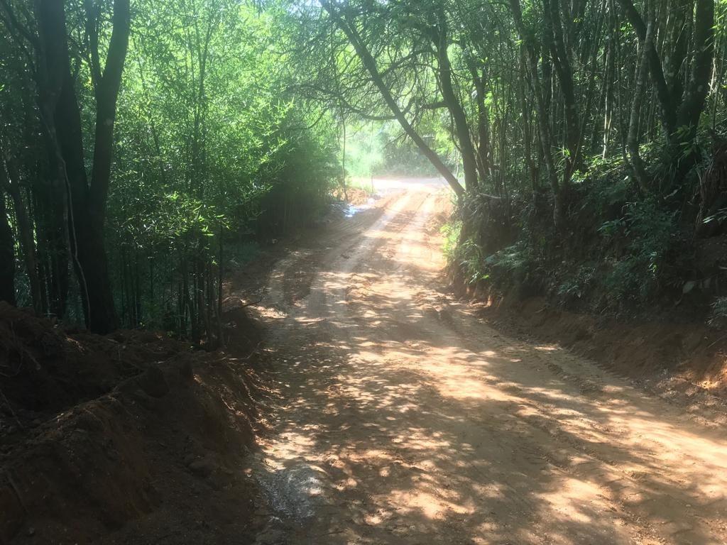 1000 m2 2 km do asf proximo da represa e cachoeira 33 mil j