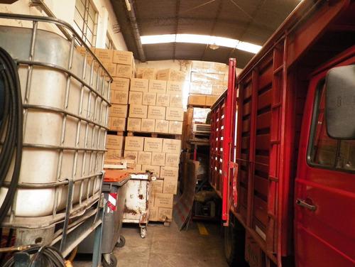 1000 m2 aprox. - galpón con cámaras refrigerantes.
