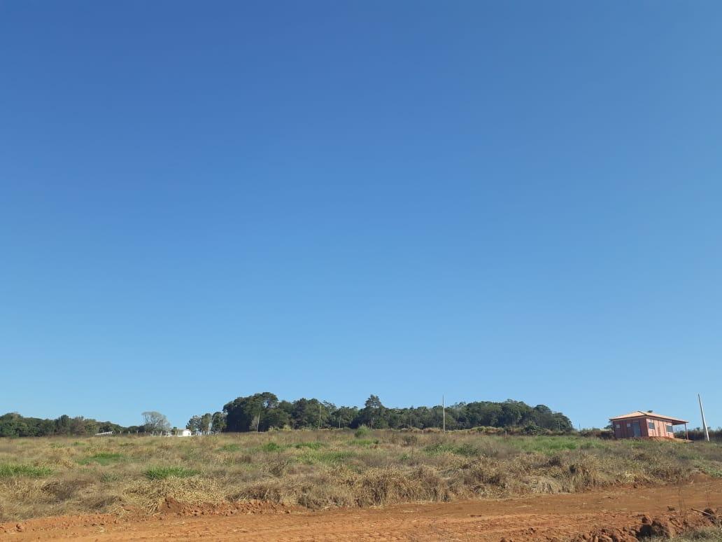 1000 metros em ibiuna, só 300 mts da rodovia c/ potaria