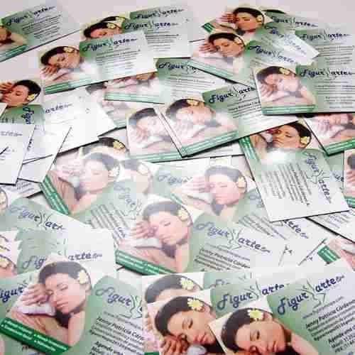 1000 tarjetas de presentación brillantes para su empresa