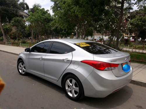 $10,500 hyundai elantra gls 1.8 año 2012 dual gasolina y glp