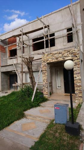 1167-casa minimalista a estrenar en bo.co. c/seguridad 24hs