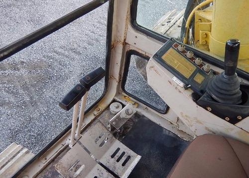 12) excavadora hidraulica komatsu pc650-3 1990 de 67 ton.
