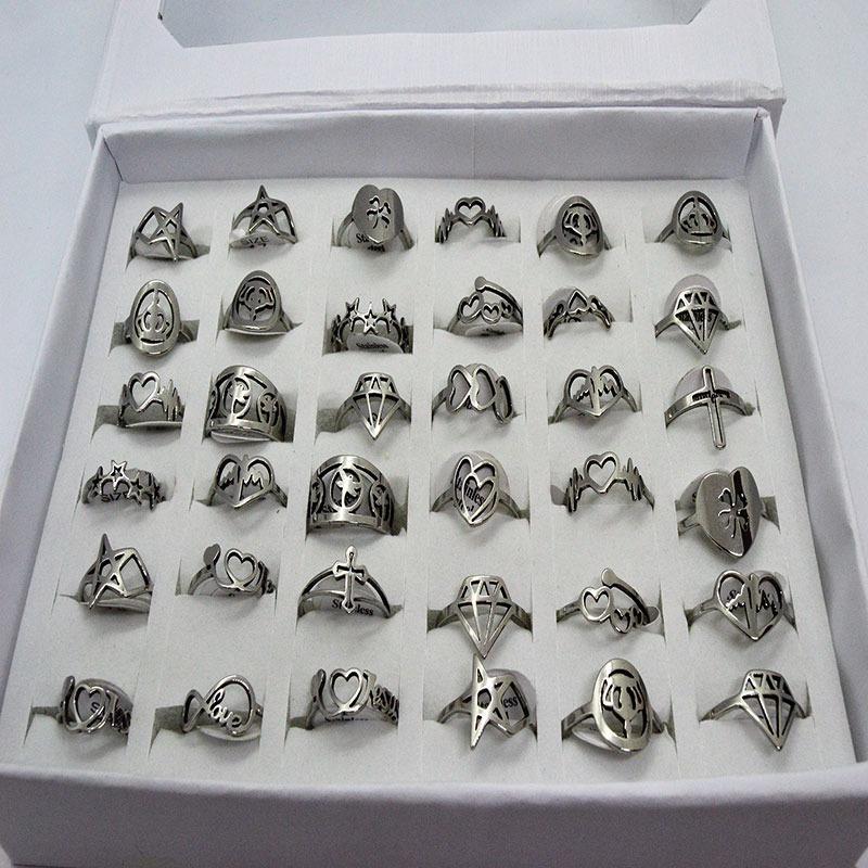 aee3672098fe 12 hermosos anillos acero quirurgico calados por mayor. Cargando zoom.
