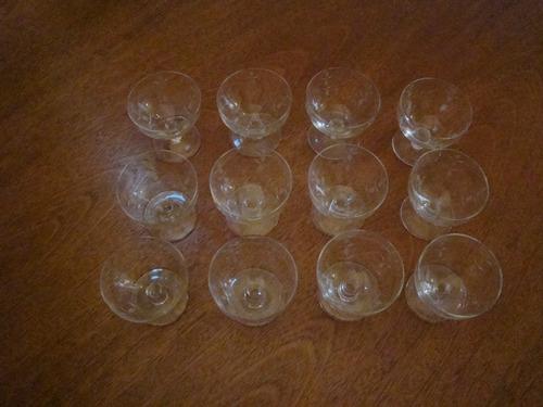 12 taças em cristal alemão para champagne  da década de 50