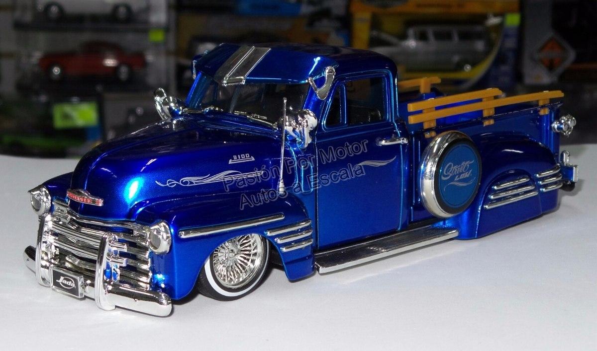 1 24 chevrolet pick up 1951 azul jada low rider display. Black Bedroom Furniture Sets. Home Design Ideas