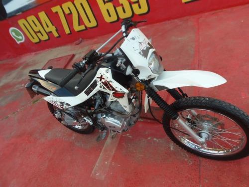 125 125 125 ==motos