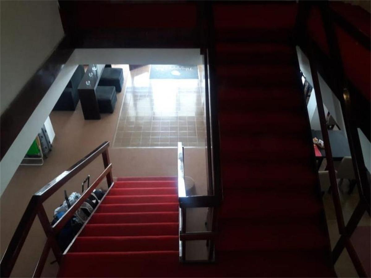 129 e/ 1 y 2: hotel en venta en impecable estado
