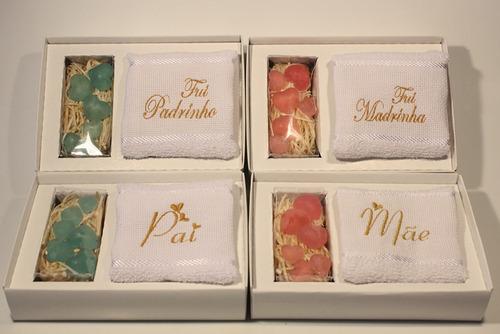 14 caixas madrinha padrinho mãe pai toalha bordada lembrança