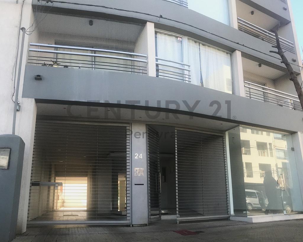 14 entre 32 y 33 n24-  departamento de un ambiente en venta, la plata.-