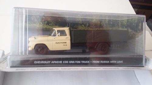 1:43 chevrolet apache c30 one-ton truck james bond 007  1/43