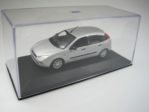 1/43 ford focus hatch mk1 minichamps miniatura prata 51270