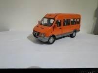 1/43  iveco bus pasajeros naranja