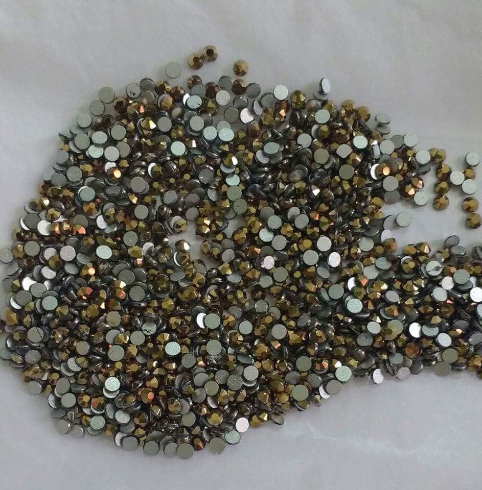 Piedras swarovski para unas for Piedras swarovski para unas