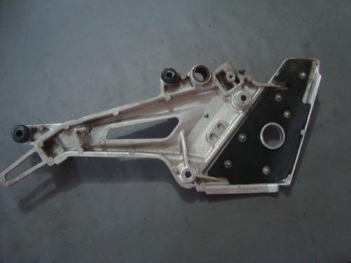 1474 - bacalhau suporte pedaleira lado direito twister