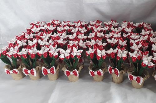 15 vasinho com 3 tulipa abertas em tecido e com juta e laço