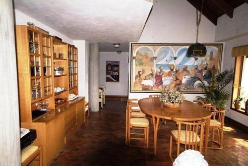 16-8631 se vende espectacular y elegante casa en la colonia