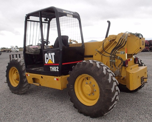 16) montacargas telescopico caterpillar th82 2002