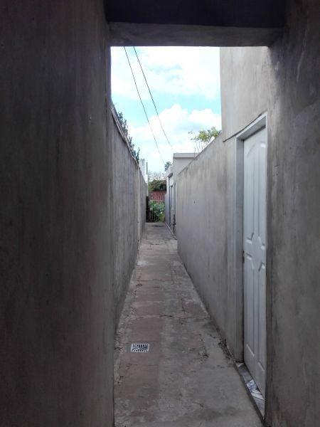 17 e/36 y 37. venta. departamento ph de 2 dormitorios con patio en la plata