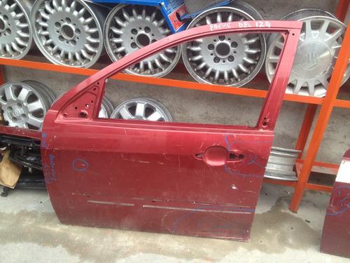 1710-14 puerta delantera izquierda focus 03-08 con detalle