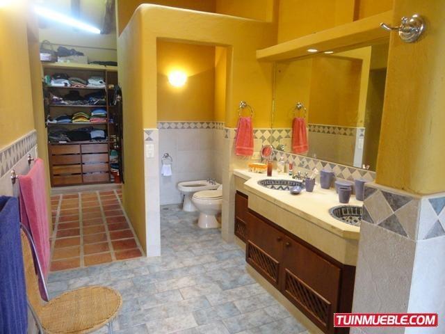 18-10600 casas en venta
