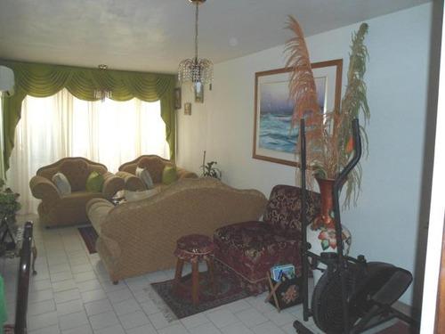 18-5171 se vende centrico apartamento en maracay