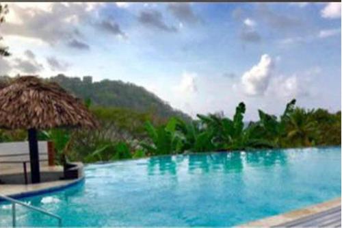 18-5896ml hotel carretera hacia portobelo