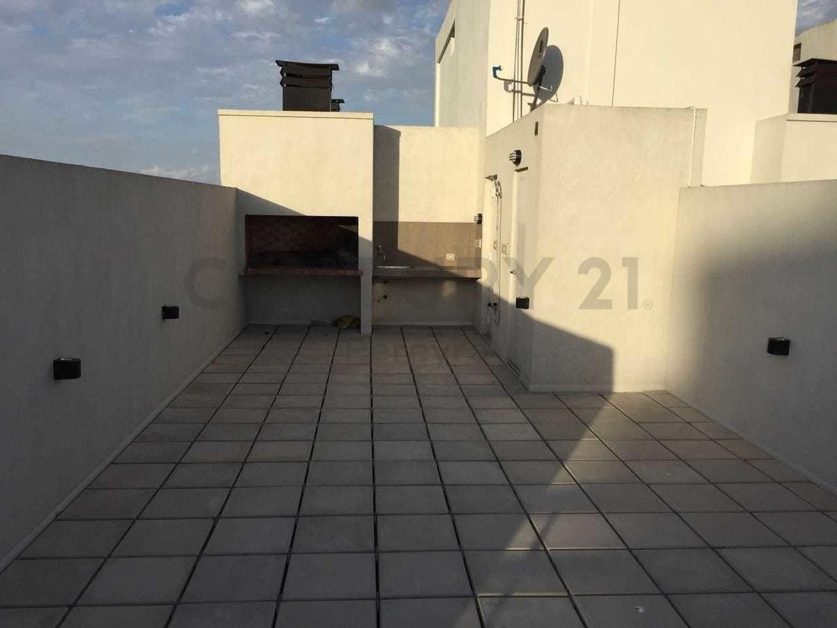 18 entre 33 y 34. departamento de 1 dormitorio a  la venta, la plata.-