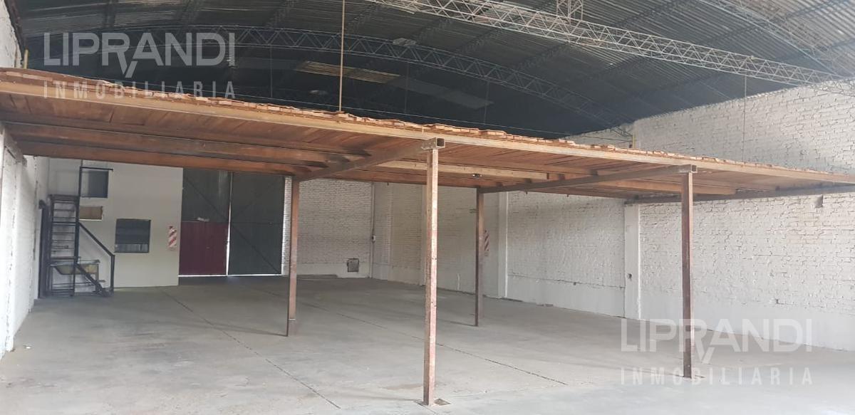 1800 m2  - 3 galpones - sector oficina