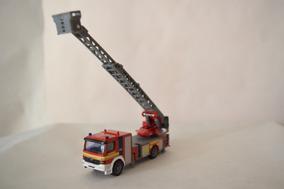 Siku MB Atego bomberos escalera giratoria