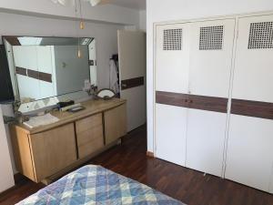 19-20272 hermoso apartamento en el peñón