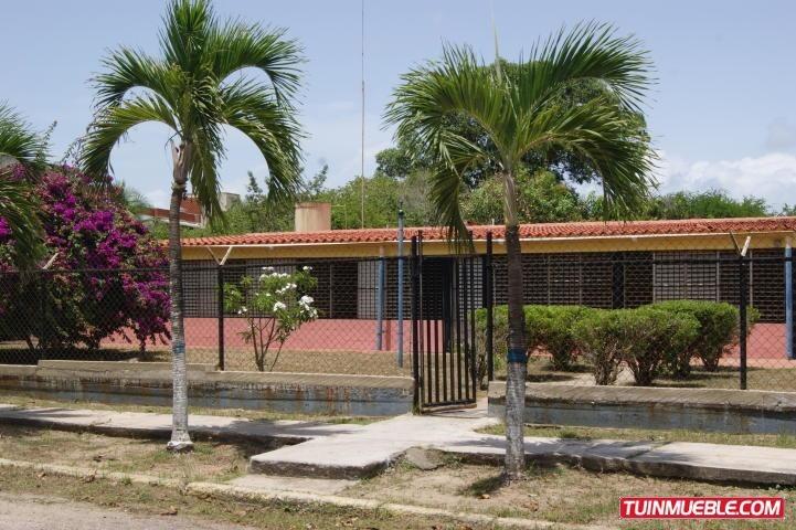 19-6493  maria jose fernandes vende los canales de rio chico