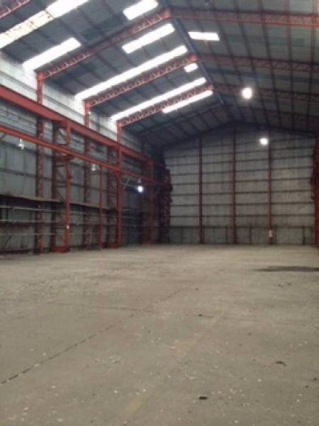 19000 m2 cubiertos sobre lote de 85.000 m2., sobre la ruta 3.