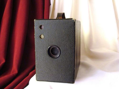 1920's rainbow hawk - eye  no. 2 a model b. antigua camara