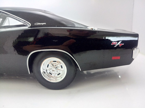 1969 dodge charger r/t maisto 1:18