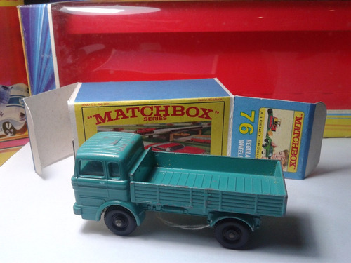 1969 matchbox lesney mercedes truck + box custom  mt02a-