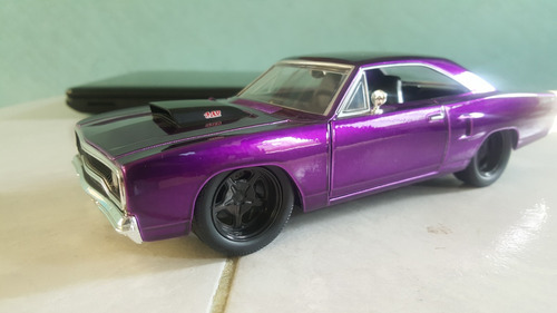 1970 plymouth road runner  escala 1/24 collection jada