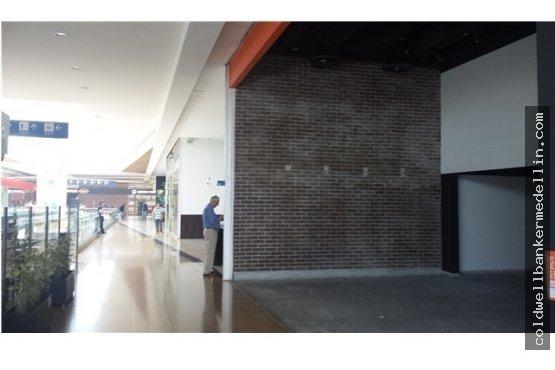 198475pv  arriendo local premiun plaza