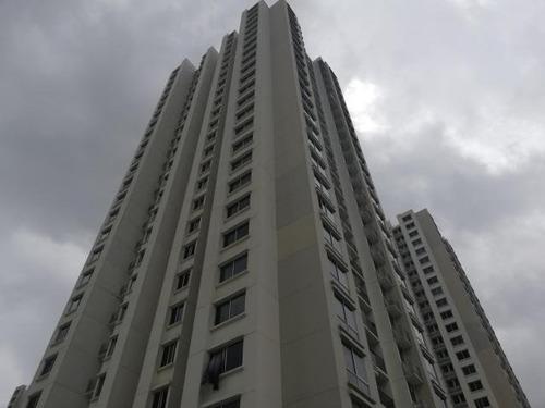 198575 se renta cómodo apartamento en condado del rey 3r
