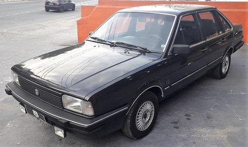 1986 santana cd 4 portas preto onix 1.8 álcool