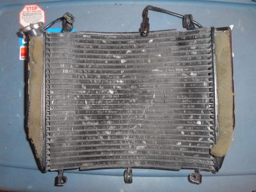 1999, 2000, 01 02 yamaha yzf r6 radiador con  ventiladores.